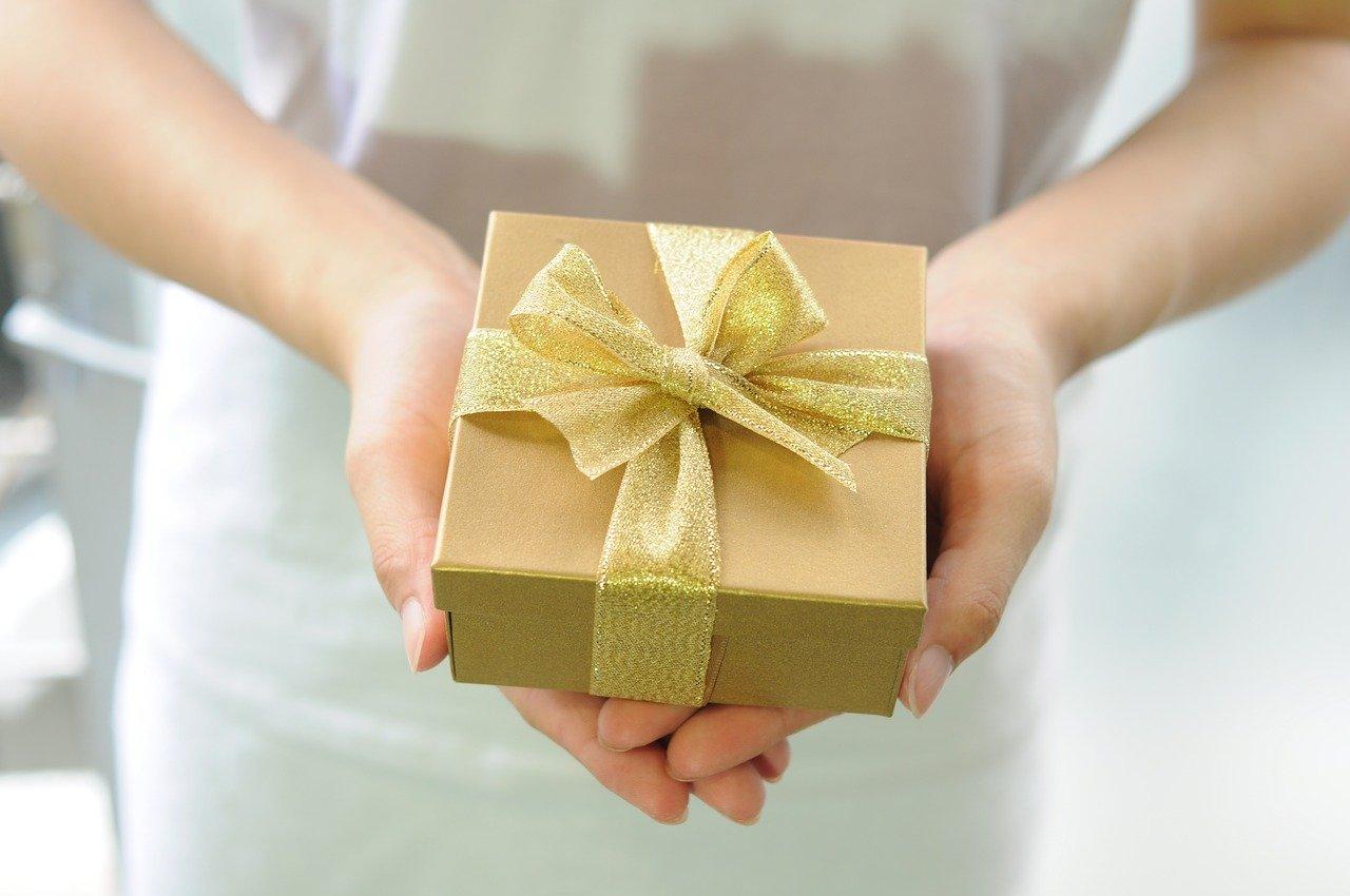 スーツ 梱包 メルカリ メルカリでの洋服の売り方を徹底解説! 梱包、発送方法(送り方)など分かりやすく紹介します。